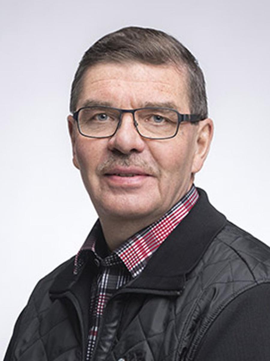 KPY:n edustajisto Eero Wetzell