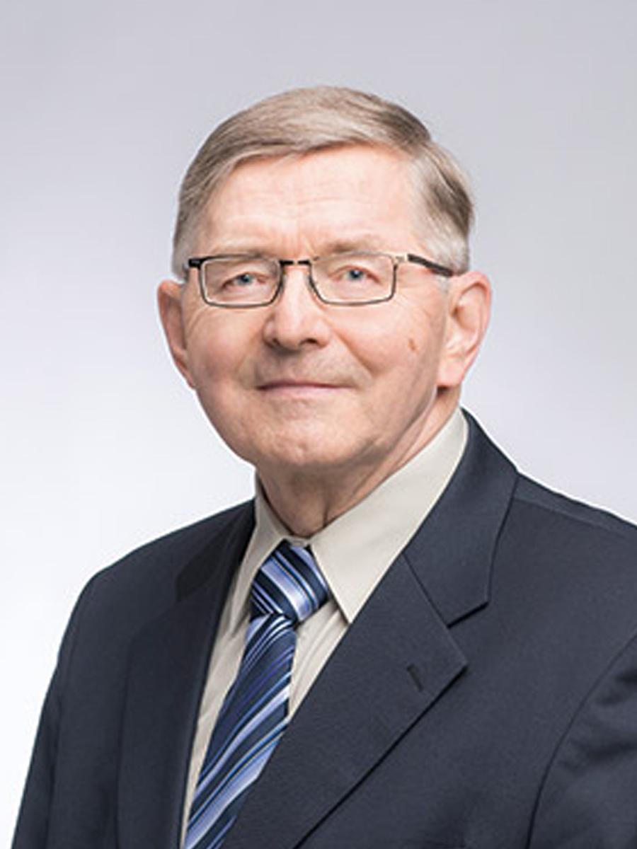 KPY:n edustajisto Pekka Väänänen